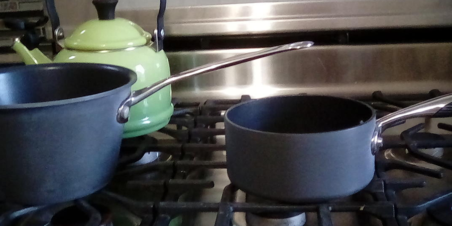 How to Clean Hard Anodized Cookware's Exterior