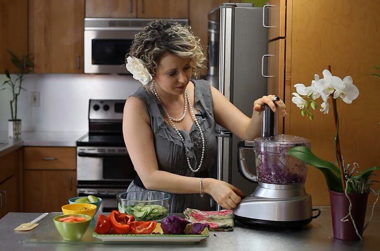 Benefits of Food Processor for Shredding Cabbage
