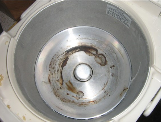 What I Need To Clean The Rice Cooker Heating Element?